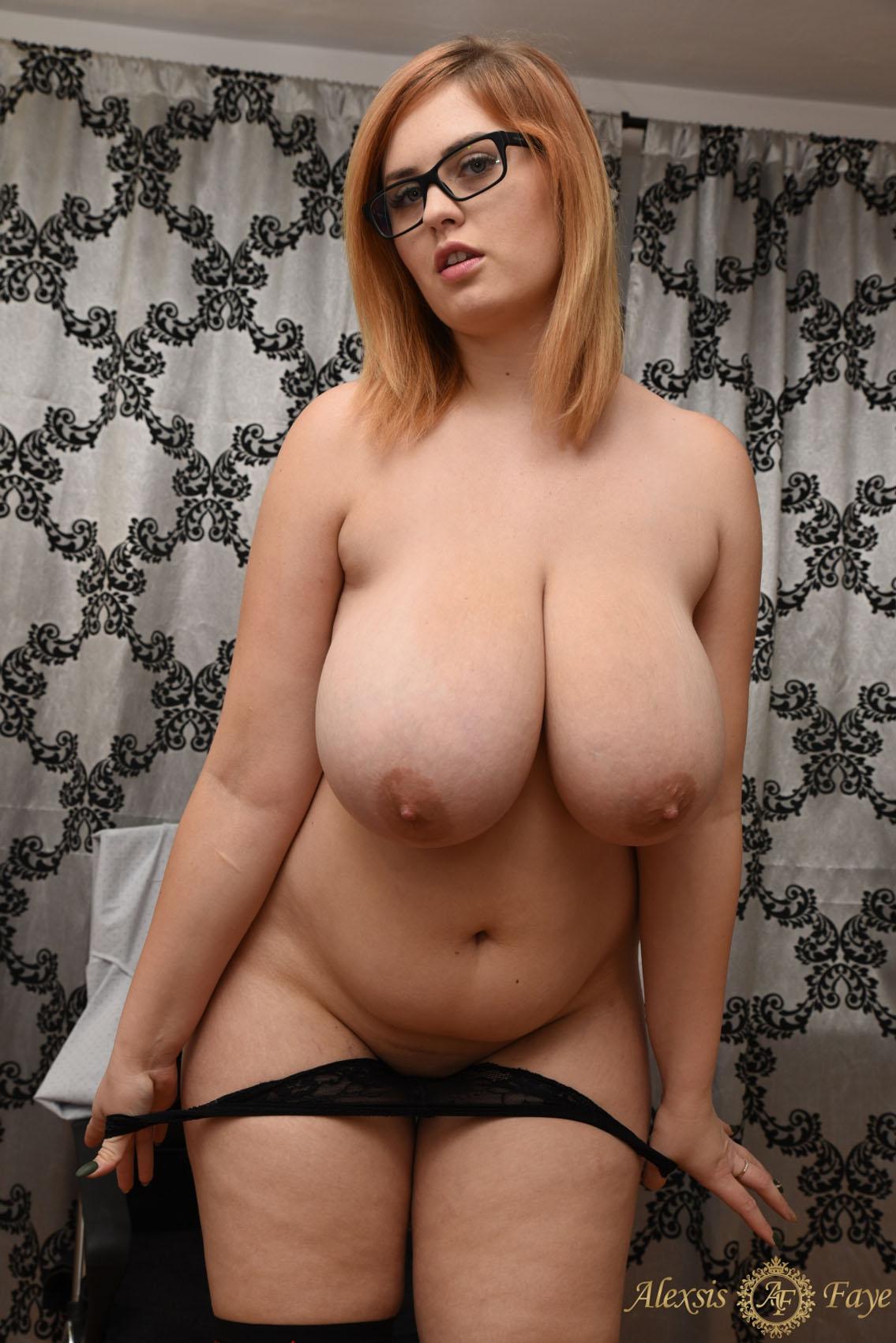 girl-breast-alexa-bbw-busty-model-hazleton