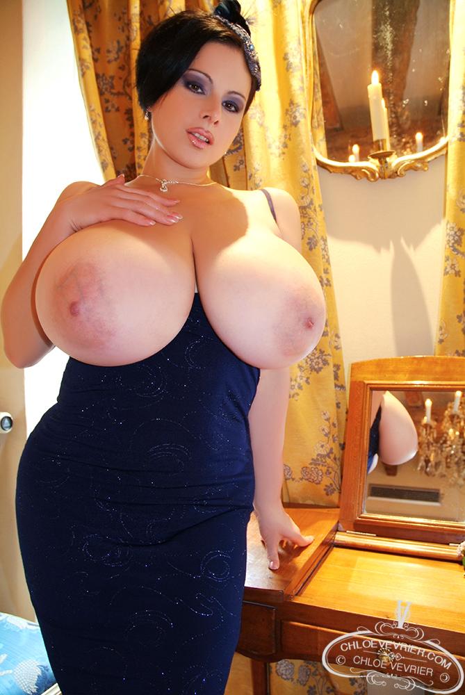 Chloe Vevrier Big Tit