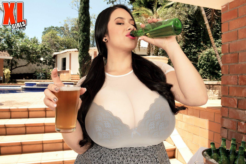 Amanda Santana Nude sofia santana latina oktoberfest xl girls - curvy erotic