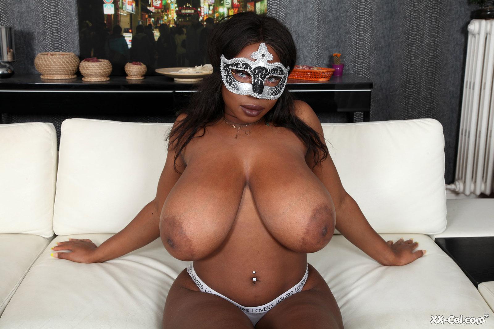https://cdn.curvyerotic.com/wp-content/uploads/2020/03/kylie-masquerade-xx-cel-8.jpg
